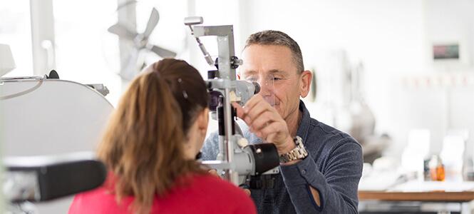 Augenuntersuchung von Dr Süss Augenarzt Schwabing