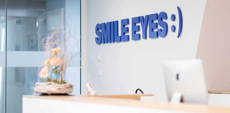 Flughafen Kontaktformular Empfang Smile Eyes