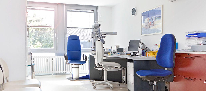 Dachau Augenarzt Sprechzimmer