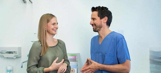 Patienten Augenarzt Gespräch